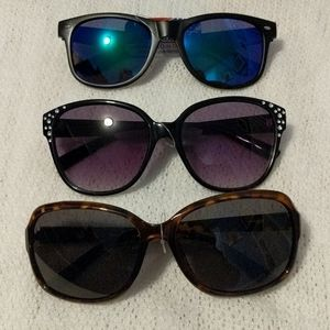 Women's Lot of 3 Foster Grant Sunnies